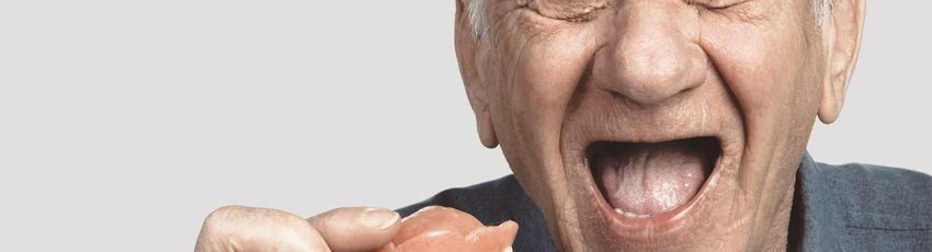 why-you-shouldn't-wear-dentures-while-you-sleep