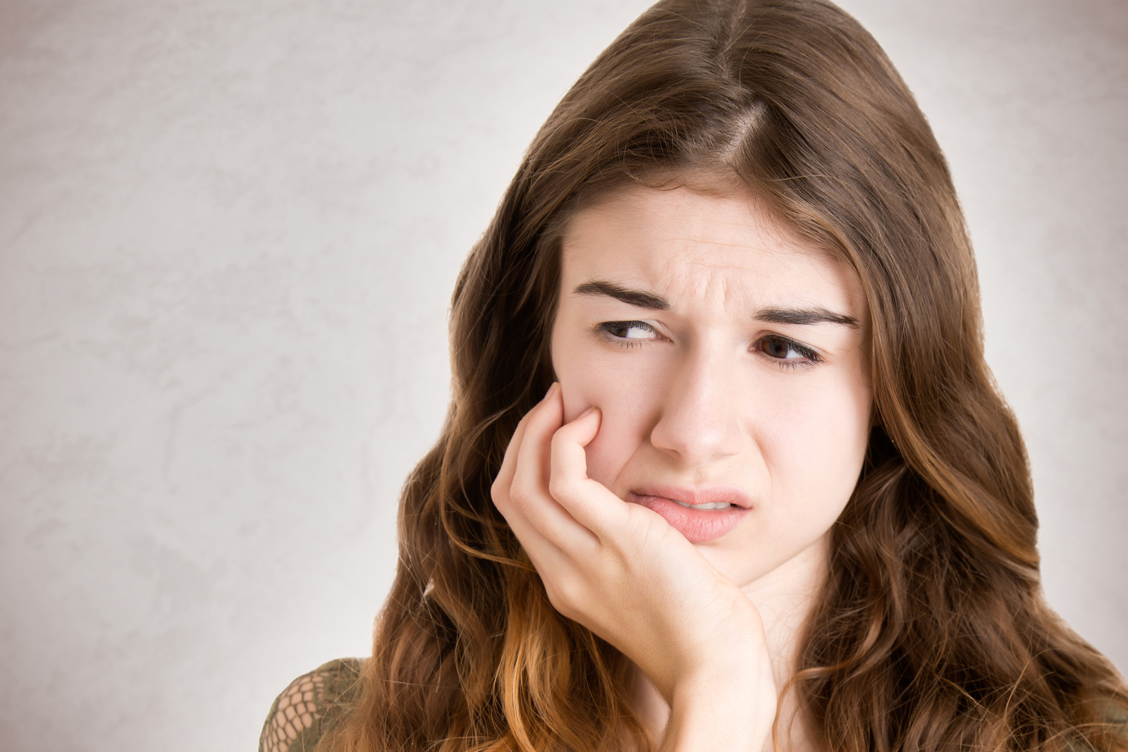 how-to-treat-teeth-sensitivity-to-sweets